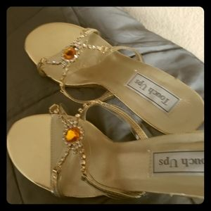 Size 8 glass bead evening wedding shoes